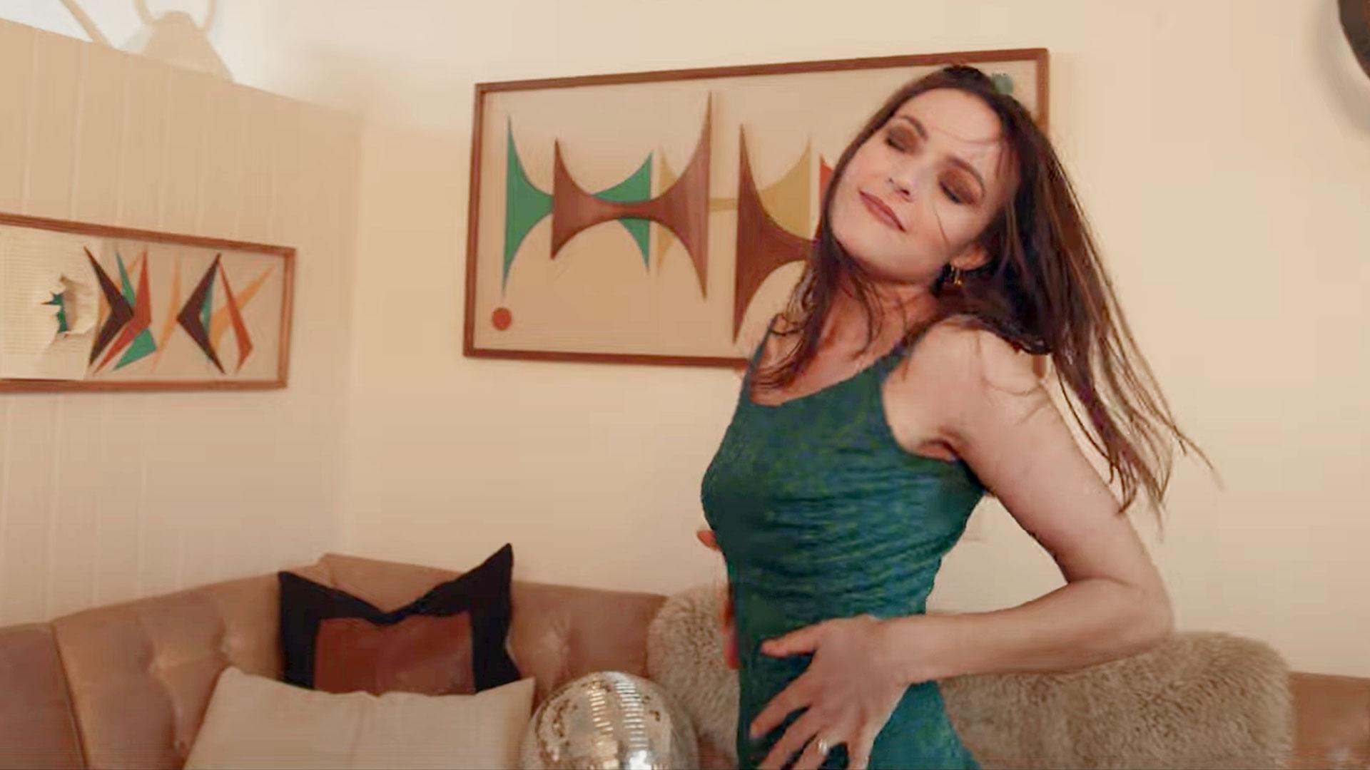 Monica Aben / Reasons to Reminisce - video still 1